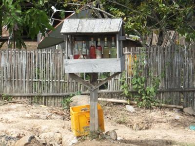 mini gasolinera laosiana
